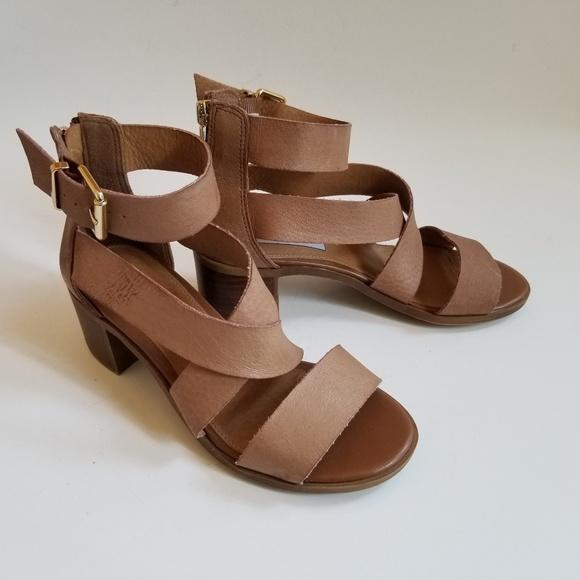 5c1da18920c Steve Madden Tan Ankle Strap Chunky Heel Sandals. M 5abdf640fcdc31cd055b768e